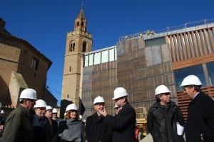 Iglesias y Milián durante la visita a las obras del palacio episcopal. (Foto: JLP)