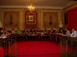 Sesión plenaria del Ayuntamiento de Barbastro. Foto JLP.
