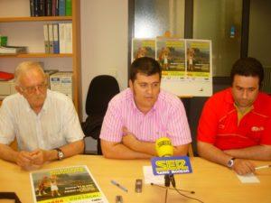 García, Palacín y Aurich en la presentación del partido. Foto R.S.