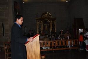 Abiego cuenta con un sacerdote sudamericano. Foto JLP.