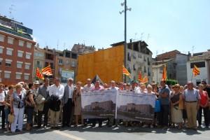 Concentración por la mejora del Hospital en Barbastro. Foto JLP.
