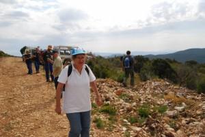 Los vecinos de Colungo participan en la búsqueda. Foto JLP.