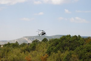 La Guardia Civil peina con helicópteros la zona. Foto JLP.