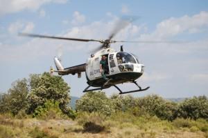 El helicóptero rastrea la zona. Foto JLP.