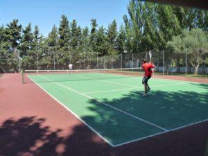 Partido de tenis en Peralta. Foto C.G.