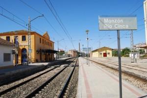 """Estación de tren """"Río Cinca"""" de Monzón. Foto JLP."""