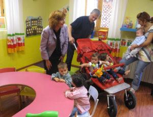 La consejera Broto en la escuela de Bielsa. Foto S.E.