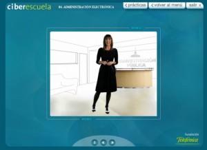 La presentadora Ana García Lozano explica la teoría del curso. Foto S.E.
