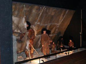 El centro recrea la vida en la Prehistoria. Foto R.S.