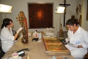 Restauración de las piezas de arte de Barbastro. Foto JLP.