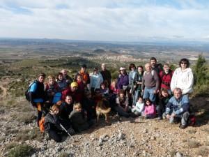 Foto de familia con la Carrodilla al fondo. Foto S.E.