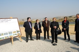 La alcaldesa de Binaced en la inauguración de la variante. Foto JLP.