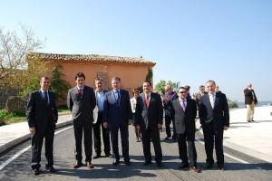 Autoridades en la inauguración del Eje del Vero.
