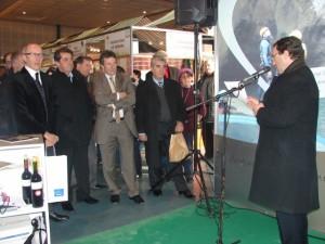 Jesús Lobera, Presidente de la Institución Ferial de Barbastro, durante su discurso a las autoridades presentes en el acto de inauguración. IL.