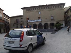 Se convocan dos plazas de policía. JLP.
