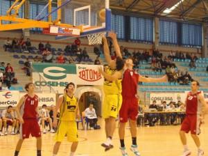 Tezanos destacó en el tercer cuarto. Guillermo Uguet.