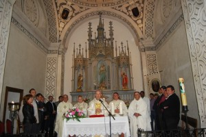 Alfonso Milián oficio la misa. JLP.