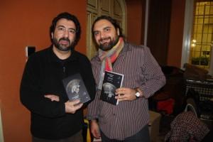 González y Bruno con los ejemplares. JLP.