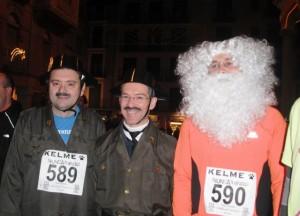 Algunos atletas corrieron disfrazados.
