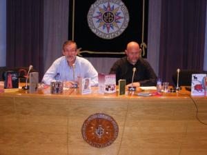 José Antonio Adell junto a Antón Castro, en la UNED de Barbastro. Foto: UNED Barbastro.