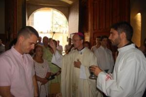 Bendición del templo por el obispo. JLP.