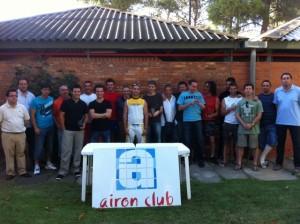 Foto de grupo de la liga de frontenis.