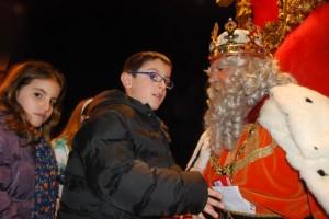 El rey Melchor durante la cabalgata en Barbastro. JLP.