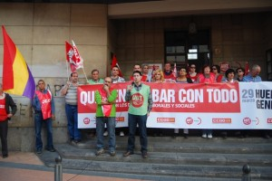 Los sindicatos y el 15 M apelaron a un cambio de política económica. JLP.
