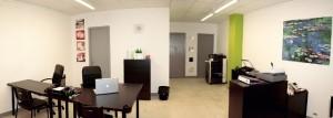 """Oficinas de la empresa de diseño gráfico """"Patricia Chazal"""", en la calle Huesca de Barbastro."""