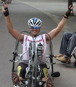 Diego tras vencer en una carrera.