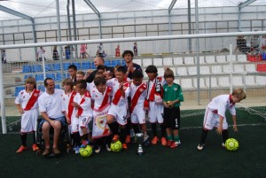 Los campeones con Diego Ballesteros. JLP.