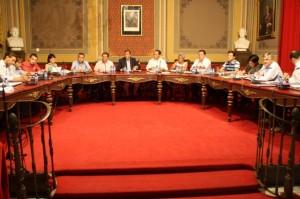 Pleno del Ayuntamiento de Barbastro el 26 de julio de 2012. NBC.