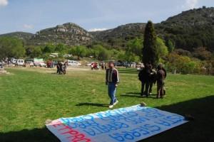 Protesta contra las canteras en la romería de la Carrodilla. JLP.