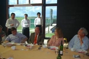 Pérez junto a su equipo en una comida en el Flor Laus. JLP.