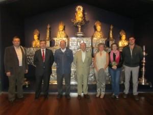 Peridis con los amigos del museo. José Luis Pano.