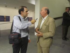 Antonio Raya entrevista a Peridis. JLP.