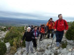 Pedro Solana con los montañeros en la Carrodilla. MAB.