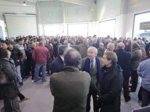 Asistentes a la inauguración de Lamusa en Binéfar.