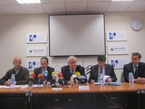 Representantes de la AEB con los responsables políticos. JLP.