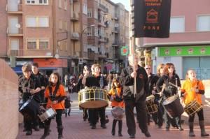 La banda de bombos y tambores de Fonz.