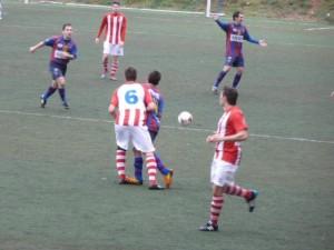 El Barbastro sumo un punto en un complicado campo. www.futbolaragones.es