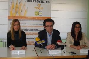 Juan Nadal junto a las responsables de Tagse. JLP.