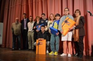 Los ganadores con las autoridades. JLP.