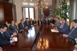 Reunión del embajador chino con el consejo regulador de la D.O. Somontano. JLP.