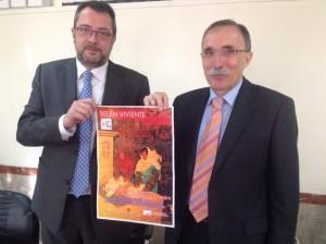 José Manuel Badía y Jaime Facerías con el cartel del Belén. JLP.