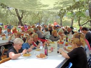 La comida de los vecinos de Colungo