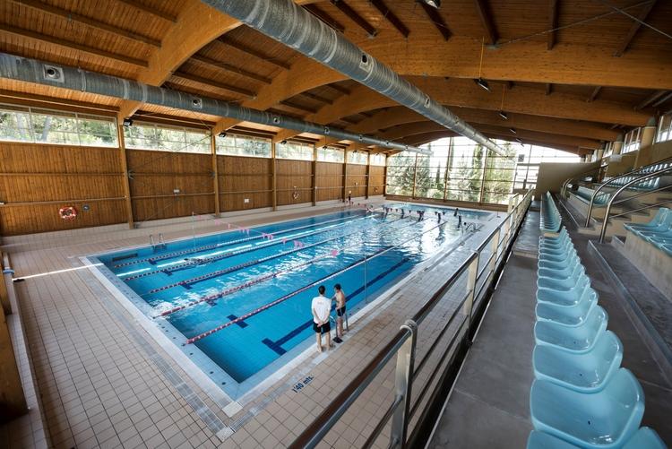 Reapertura de la piscina climatizada de barbastro for Piscina cubierta ronda