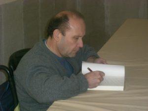 El autor, firmará ejemplares de su novela.
