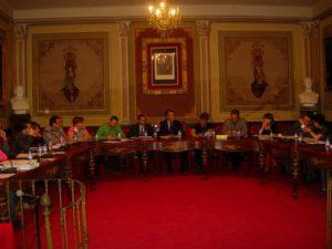 Sesión de pleno del Ayuntamiento de Barbastro. Foto JLP.