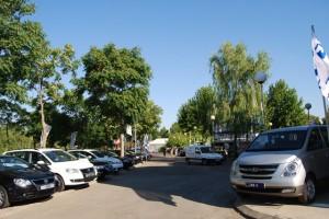 Exposición de vehículos en el recinto ferial de Barbastro. Foto JLP.